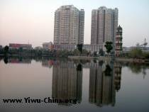In Yiwu, Xiuhu park's lake